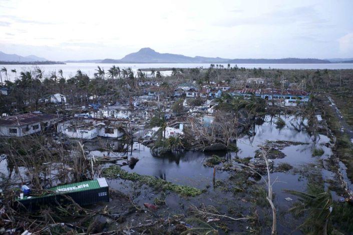 La ville de Tacloban, dévastée par le super-typhon « Yolanda» (ou Haiyan), dans la province de Leyte au centre des Philippines. (AP File Photo)